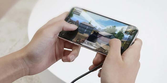 Cara Merawat Baterai iPhone dengan Hindari Bermain Game Saat di Charger