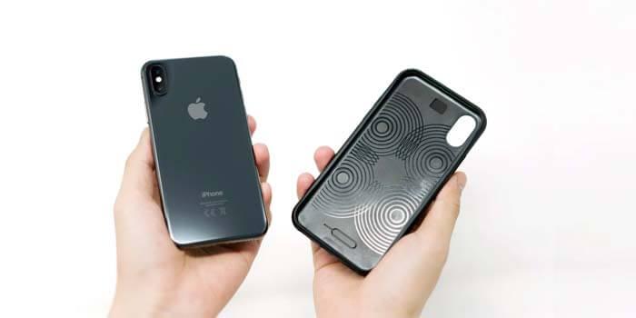 Cara Merawat Baterai iPhone dengan Lepas Case Ketika Sedang Mencharger